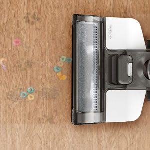 Tineco iFloor 3 Vacuuming